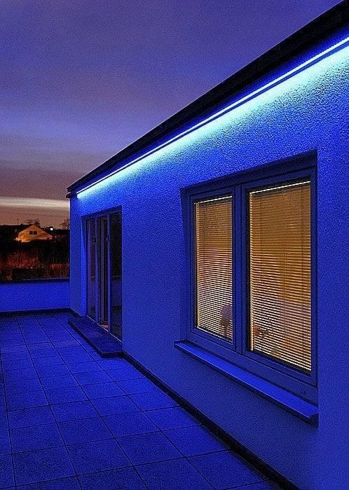 RGB LED STRIP 12V , 150 SMD 5050 LED'S IP68
